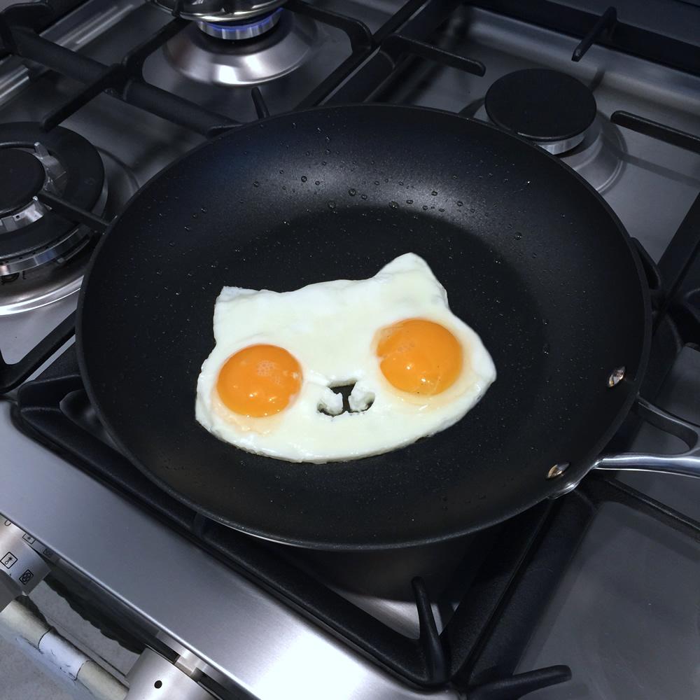 Kitty Egg Mold | www.thesmallworld.com.au